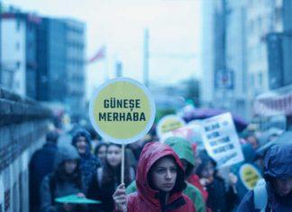 nyanın dört bir yanında, genç iklim aktivistleri, ebeveynler, sendikalar, demokratik kitle örgütleri iklim grevi için sokağa indi. Türkiye'de ise 20'nin üzerinde etkinliğe on bin kişi katıldı haberinin devamını Patron Haber'de okuyabilirsiniz.