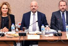 Uluslararası Yatırımcılar Derneği (YASED) ve Amerikan Şirketler Derneği (AmCham Turkey/ABFT) üyesi şirketlerin temsilcileri Ticaret Bakan Yardımcısı Rıza Tuna Turagay ve Cumhurbaşkanlığı Yatırım Ofisi temsilcilerinin katılımıyla 'ABD-Türkiye Yatırım ve Ticaret İlişkileri İstişare Toplantısı'nda görüşlerini paylaştılar. Ticaret Bakan Yardımcısı Rıza Tuna Turagay, YASED Yönetim Kurulu Üyesi Osman Okyay ve AmCham Turkey/ABFT Başkanı Serra Akçaoğlu detay haberi Patron Haber'de okuyabilirsiniz.