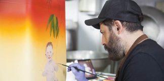 Magnum çikolatasından sanat eserlerine Kezban Arca Batıbeki, Ali Elmacı ve Ardan Özmenoğlu tasarım çalışmalarına geleceğin Magnum'unu hayal ederek başladılar. Her bir sanatçının yarattığı eser, Magnum çikolatasıyla hazırlanan çikolata heykellerine dönüştü. Ressam ve Fotoğraf Sanatçısı Kezban Arca Batıbeki, Magnum 2059 eserinde; etrafında yemyeşil yapraklar, çiçekler ve meyvelerle, rengarenk giysileri içinde, kafasında kakao tohumları taşıyan ama bir yandan Magnum'unu yiyen bir Afrikalı kadın figürüne yer verdi. Her eserinde bir söylemi ve eleştirisi olan Ali Elmacı, Magnum 2059 eserinde; her iki yüzünde yer alan, gelecek nesillere bırakılan iki farklı dünyanın tasvirine yer verdi. Haber detayları Patron Haber'de.