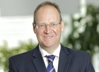 Dave Johnston, sonrasında Global Araç Programları Finans Müdürü olarak Ford Motor Company'nin gelecek araçları hakkında finansal sorumluluklar üstlendi ve Çin'deki görevi öncesinde iki yıl süreyle yine CFO olarak Ford Asya Pasifik Şangay'da çalıştı. Son olarak Ford Otosan Genel Müdür Başyardımcılığına Dave Johnston atandı haber detayları Patron Haber'de.