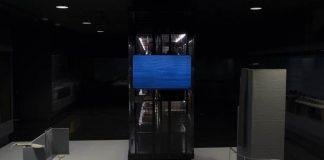 """Pera Müzesi Anadolu Ağırlık ve Ölçüleri Koleksiyonu'ndan esinlenen """"Tüm Zamanlara, Tüm Üzgün Taşlara"""" adlı video yerleştirme ziyaretçileri ağırlamaya devam ediyor. İtalyan sanatçı Nicola Lorini'nin bilim dünyasındaki güncel gelişmeleri merkezine alan yerleştirmesi, 24 Kasım'a kadar müzenin birinci katında yer alan Anadolu Ağırlık ve Ölçüleri sergi salonunda izlenebilir. Haber detayları Patron Haber'de."""