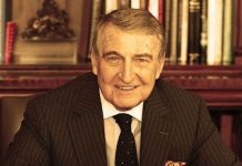 Rahmi Koç, Johns Hopkins Üniversitesi'nde (ABD) İşletme eğitimi aldı. Askerlik hizmetini tamamladıktan sonra 1958 yılında Ankara'da,Otokoç şirketinde çalışmaya başladı. 1970 yılında İcra Kurulu Başkanı, 1975 yılında Yönetim Kurulu Başkan Yardımcısı ve 1980 yılında İdare Kurulu Başkanı oldu. 30 Mart 1984 tarihinde merhum Vehbi Koç Yönetim Kurulu Başkanlığı'ndan ayrılınca, Rahmi Koç Başkan seçildi. 4 Nisan 2003 tarihinde emekli olunca büyük oğlu Mustafa V. Koç Yönetim Kurulu Başkanlığı'na getirildi. Rahmi Koç bu tarihten itibaren Yönetim Kurulu üyeliğine devam ederken Onursal Başkan unvanı aldı. Tüm detylar Patron Haber'de.