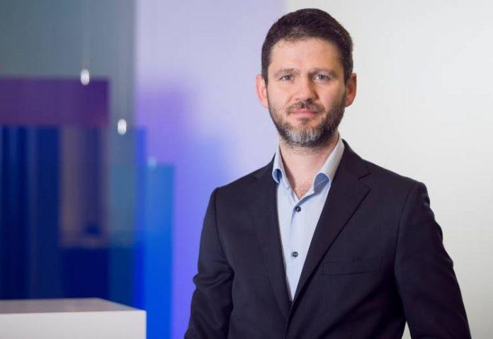 Yıkıcı teknoloji çağı, şirketlerin finans yöneticilerinde aradığı kriterleri de değiştirdi. KPMG'nin hazırladığı 'Dijital dünyada CFO olmak' araştırmasına göre bugünün CFO'larının finans kadar strateji ve operasyon deneyimine sahip olmaları da bekleniyor. Farklı dallarda MBA'li CFO'lar ise doğrudan tercih nedeni. KPMG Türkiye'den Teknoloji, Medya ve Telekomünikasyon Sektör Lideri Serkan Ercin detay haberleri Patron Haber'de.